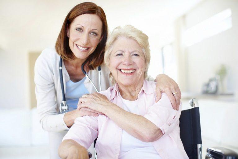 Come trasferire un anziano in una casa di riposo, le emozioni e i sensi di colpa dei famigliari e dell'anziano